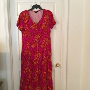 Dresses & Skirts - Woman's Maxie dress shades of red